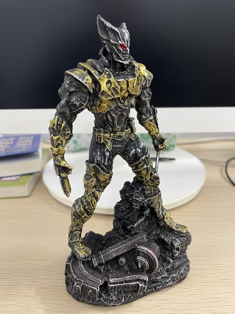 Статуэтка Персонаж Железный Человек Бэтмэн Логан Металлик - h02a02f7f99c047e8b0b7fec3804291f19