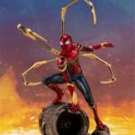 Статуэтка Человек-паук Боевая Версия Щупальца - vip super hero combat hero